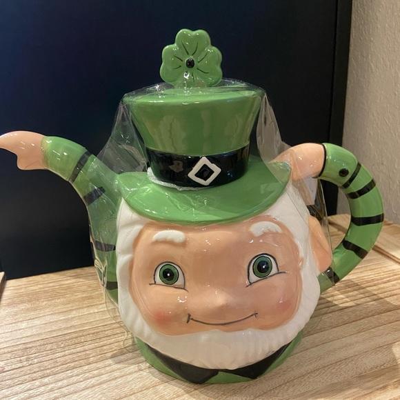 Johanna Parker St. Patrick's Day teapot